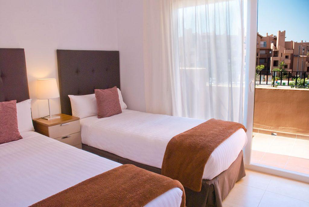 https://golftravelpeople.com/wp-content/uploads/2019/06/Caleia-Mar-Menor-Golf-Spa-Resort-Apartments-1-1024x686.jpg