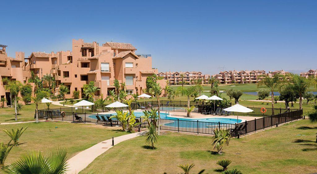 https://golftravelpeople.com/wp-content/uploads/2019/06/Caleia-Mar-Menor-Golf-Spa-Resort-Apartments-10-1024x563.jpg