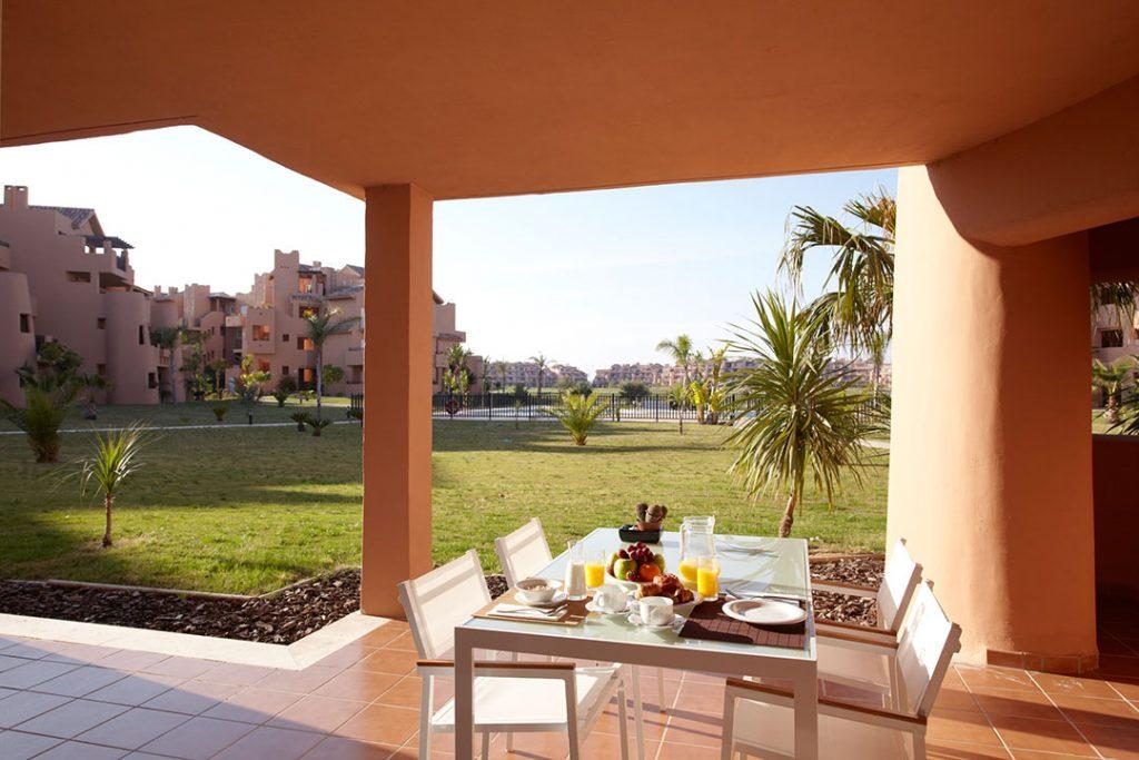 https://golftravelpeople.com/wp-content/uploads/2019/06/Caleia-Mar-Menor-Golf-Spa-Resort-Apartments-13-1024x683.jpg