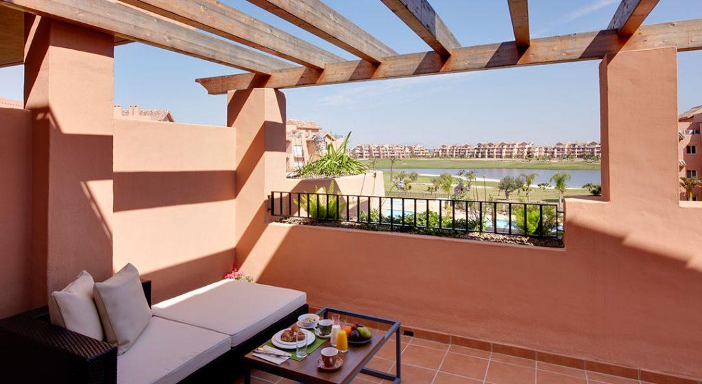 https://golftravelpeople.com/wp-content/uploads/2019/06/Caleia-Mar-Menor-Golf-Spa-Resort-Apartments-14-1024x560.jpg