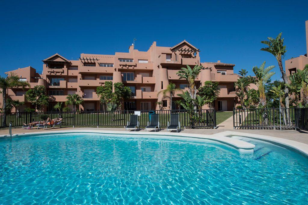 https://golftravelpeople.com/wp-content/uploads/2019/06/Caleia-Mar-Menor-Golf-Spa-Resort-Apartments-19-1024x682.jpg