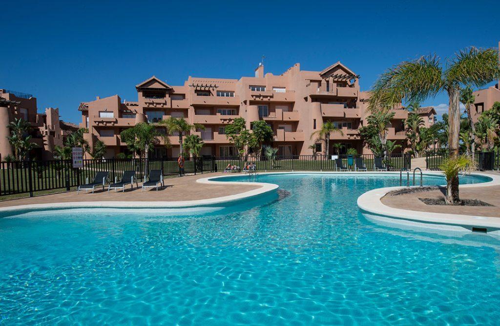 https://golftravelpeople.com/wp-content/uploads/2019/06/Caleia-Mar-Menor-Golf-Spa-Resort-Apartments-21-1024x668.jpg