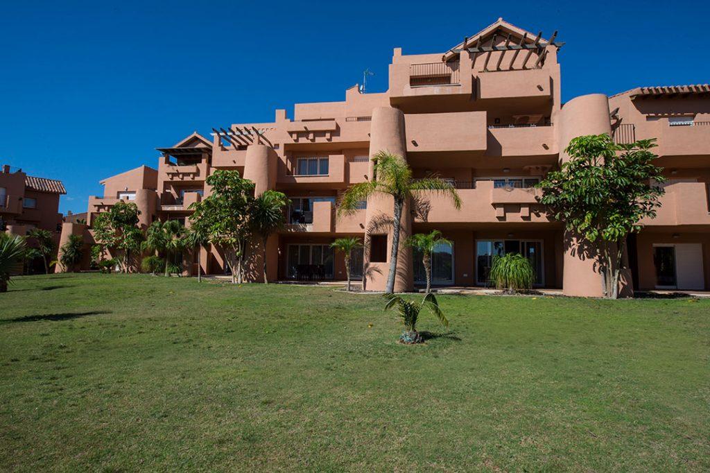 https://golftravelpeople.com/wp-content/uploads/2019/06/Caleia-Mar-Menor-Golf-Spa-Resort-Apartments-26-1024x682.jpg