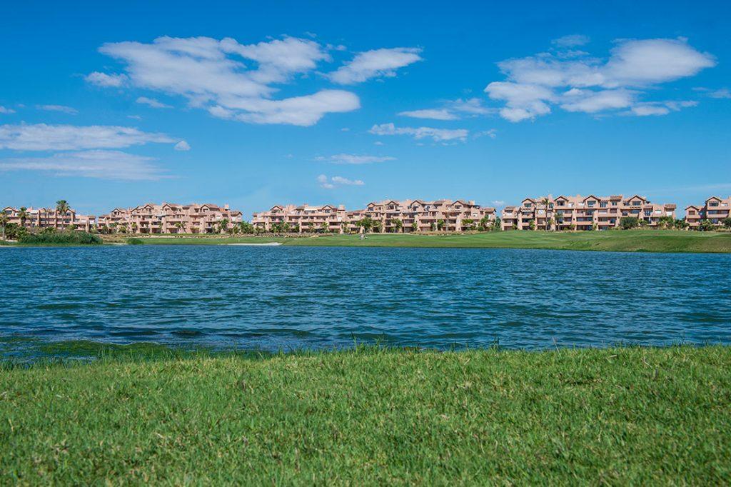 https://golftravelpeople.com/wp-content/uploads/2019/06/Caleia-Mar-Menor-Golf-Spa-Resort-Apartments-27-1024x682.jpg