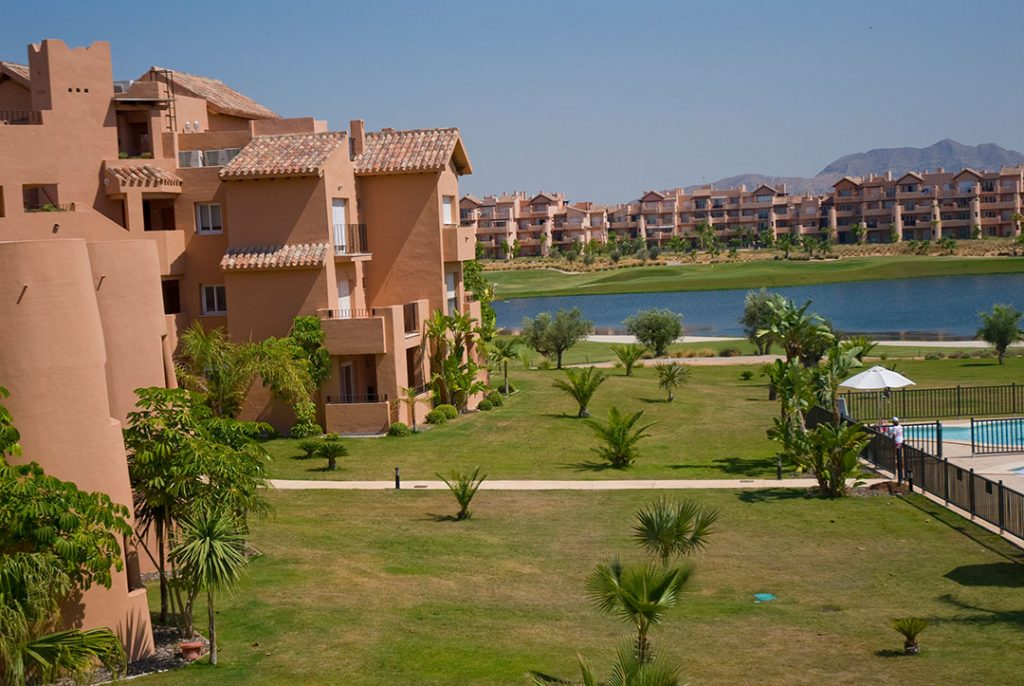 https://golftravelpeople.com/wp-content/uploads/2019/06/Caleia-Mar-Menor-Golf-Spa-Resort-Apartments-33-1024x686.jpg