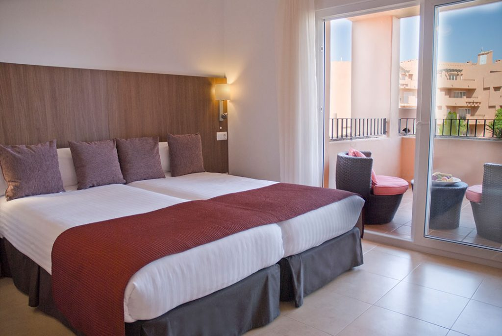 https://golftravelpeople.com/wp-content/uploads/2019/06/Caleia-Mar-Menor-Golf-Spa-Resort-Apartments-34-1024x686.jpg