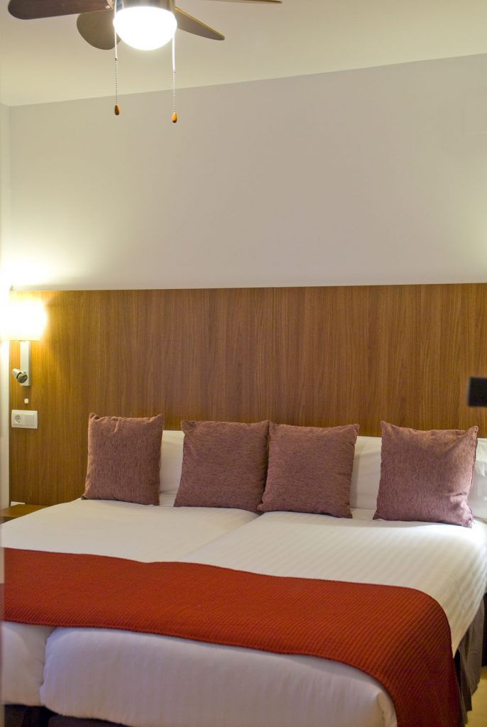 https://golftravelpeople.com/wp-content/uploads/2019/06/Caleia-Mar-Menor-Golf-Spa-Resort-Apartments-5-686x1024.jpg