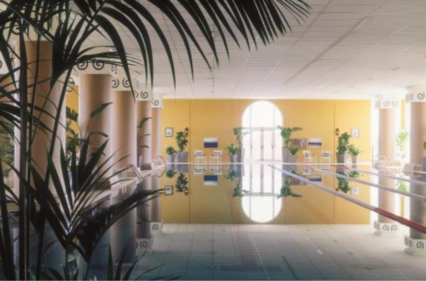 https://golftravelpeople.com/wp-content/uploads/2019/06/La-Manga-Club-Hotel-Principe-Felipe-1.jpg