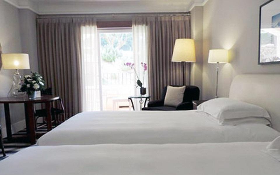 https://golftravelpeople.com/wp-content/uploads/2019/06/La-Manga-Club-Hotel-Principe-Felipe-Bedrooms-10.jpg