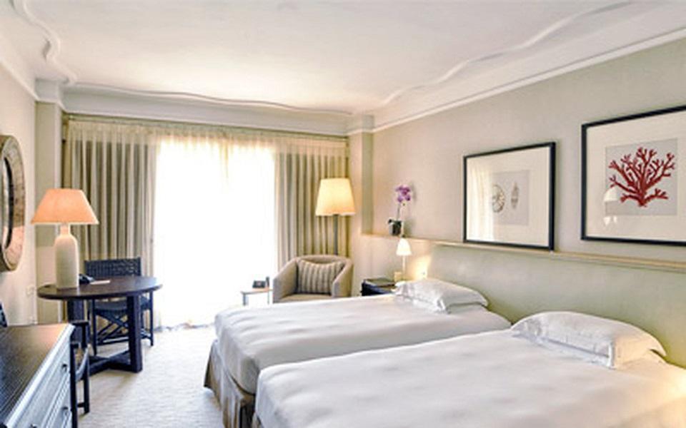 https://golftravelpeople.com/wp-content/uploads/2019/06/La-Manga-Club-Hotel-Principe-Felipe-Bedrooms-3.jpg