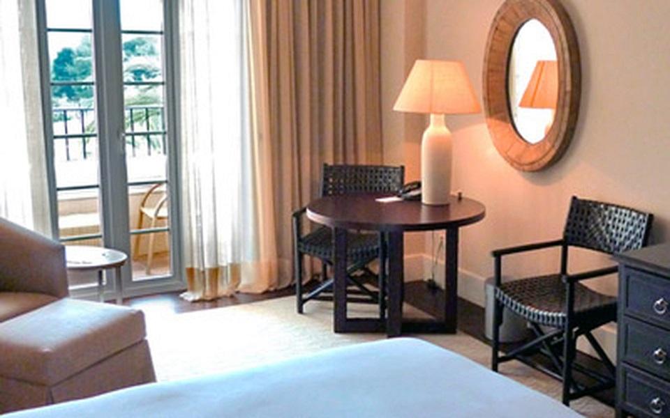 https://golftravelpeople.com/wp-content/uploads/2019/06/La-Manga-Club-Hotel-Principe-Felipe-Bedrooms-5.jpg