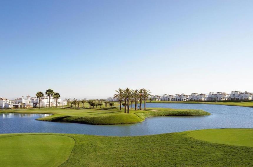 https://golftravelpeople.com/wp-content/uploads/2019/06/La-Torre-Golf-Club-Murcia-Spain-5.jpg