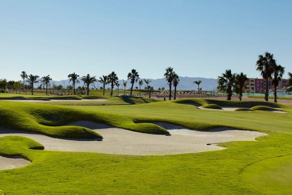 https://golftravelpeople.com/wp-content/uploads/2019/06/MAR-MENOR-_-GNK-GOLF-2_preview-1024x682.jpg