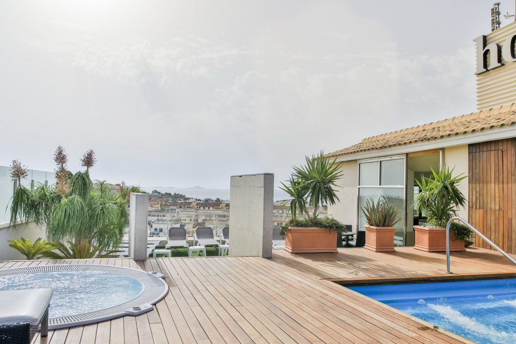 https://golftravelpeople.com/wp-content/uploads/2019/06/Roda-525-Hotel-Murcia-11-1024x682.jpg