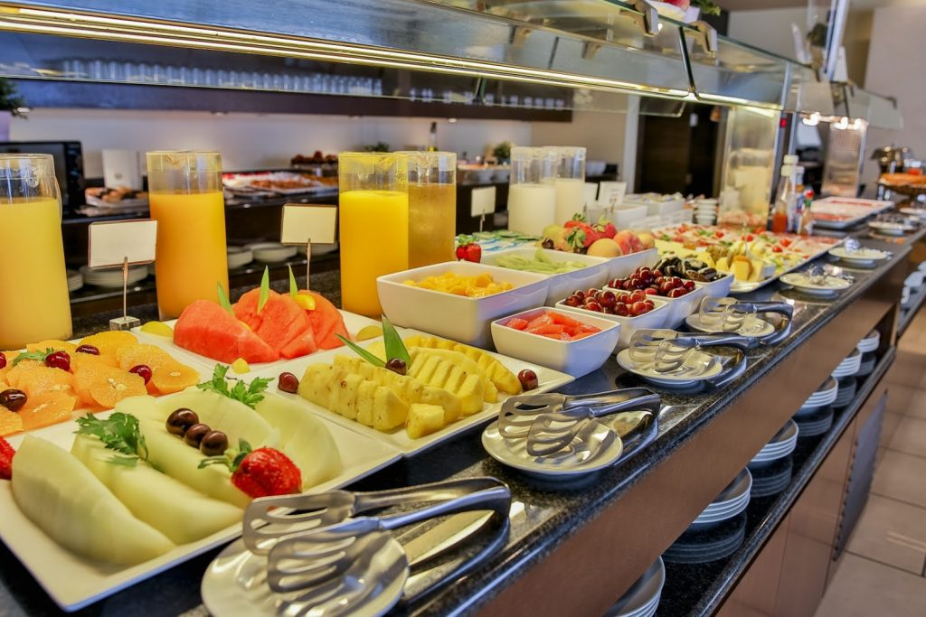 https://golftravelpeople.com/wp-content/uploads/2019/06/Roda-525-Hotel-Murcia-22-1024x683.jpg