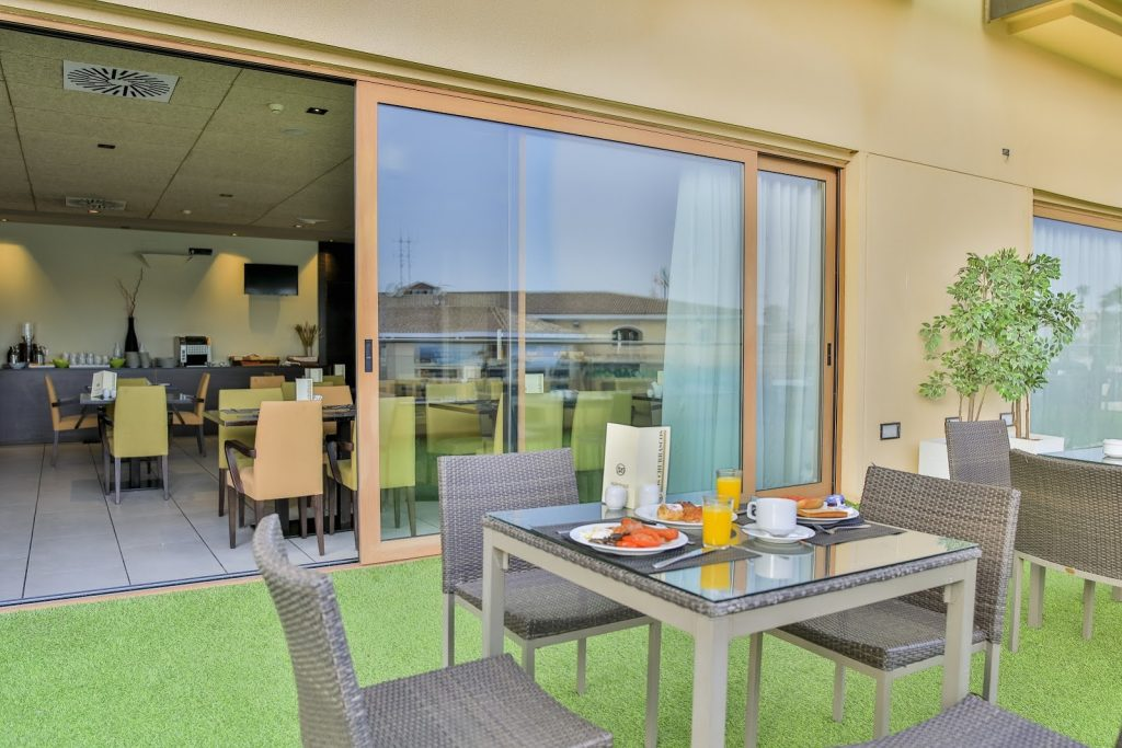 https://golftravelpeople.com/wp-content/uploads/2019/06/Roda-525-Hotel-Murcia-23-1024x683.jpg