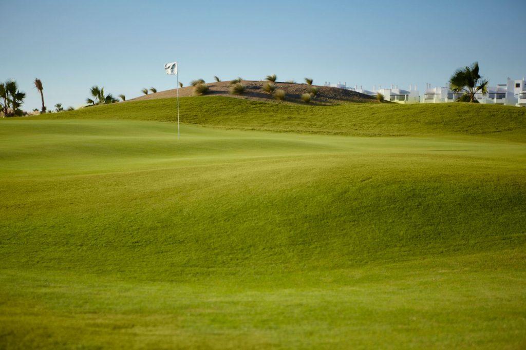 https://golftravelpeople.com/wp-content/uploads/2019/06/SAURINES-GOLF_-GNK-GOLF-2_preview-1024x682.jpg